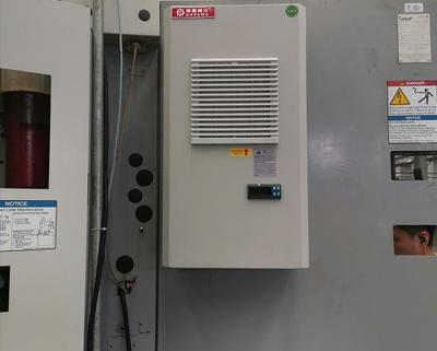 变频器柜空调安装现场